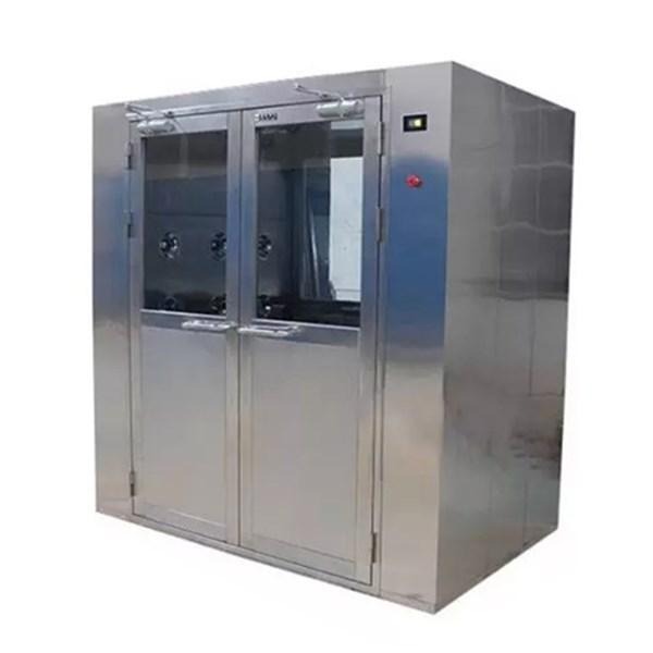 Double-door cargo air shower